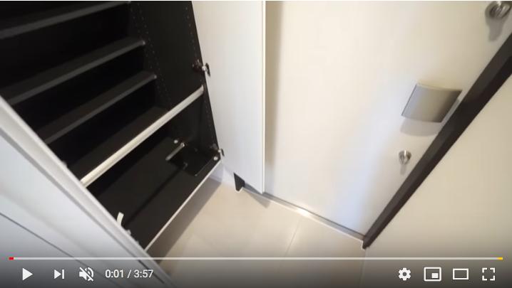 カーサスプレンディッド麻布十番の玄関 たっぷり収納できるシューズボックス